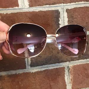 Cute Jessica Simpson Sunglasses